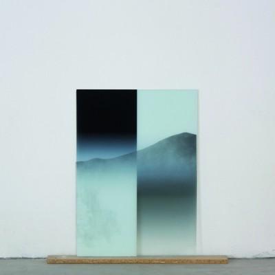 © Laurent Da Sylva. Etude de paysage, 2013, Impression UV sur verre, verre peint brisé, aggloméré, 75 x 76,8 x 6 cm