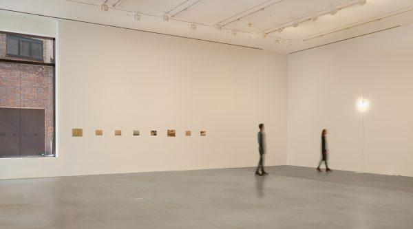 Installation view, 'Felix Gonzalez-Torres', Hauser & Wirth London, 2016 © The Felix Gonzalez-Torres Foundation. Courtesy of Andrea Rosen Gallery, New York Photo: Ken Adlard